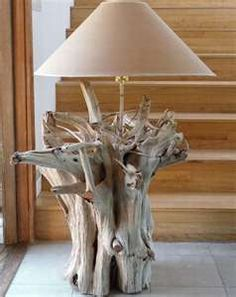 driftwood lamp reminds me of the one my mom & dad made at the beach.