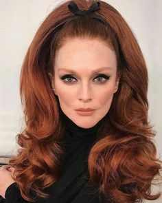 Julianne Moore with big hair Julianne Moore, Big Hair, Your Hair, Hair Inspo, Hair Inspiration, Bouffant Hair, Retro Hairstyles, Vintage Hairstyles For Long Hair, Hairstyles Videos