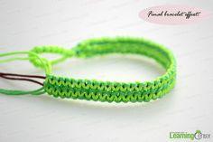 Braid the flat hemp bracelet