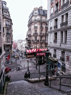 Rue Lamarck, Paris, France: A Guide to finding the prettiest streets in the city of Love (including Rue Cremieux, Rue des Barres, Rue Nicolas Flamel) and more!
