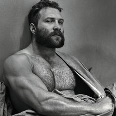 Holy Hot Man Body! The Jai Courtney Photo You Have to See Right Now