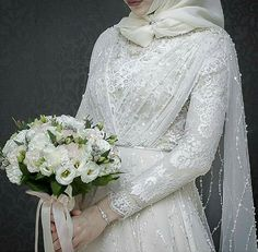 Beauty muslim bride # veil nikab nikap nikabis off bedsheet hijab hijab hijab bride wedding wedding - Hijab Style Hijabi Wedding, Muslimah Wedding Dress, Disney Wedding Dresses, Hijab Style Dress, Muslim Brides, Pakistani Wedding Dresses, Wedding Gowns, Wedding Abaya, Hijab Chic