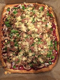 Koolhydraatarme recepten: Pizza Low Carb Recipes, Vegetarian Recipes, Healthy Recipes, Healthy Diners, Easy Cooking, Food Photo, Italian Recipes, Love Food, Food And Drink