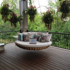 The perfect reading spot.// Homearama Cincinnati at Carriage Hill 2014