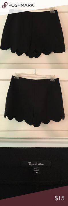 Monteau Scallop hem Shorts Black, Size M, Scallop hem, runs big Monteau Shorts
