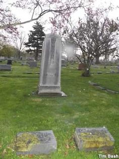 Marion, OH - Grave of a Warren Harding Mistress