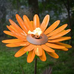 Desert Steel Orange Daisy Garden Torch – Metal Art Citronella Flower Torch >>> You can find more details by visiting the image link. (This is an affiliate link) Citronella Torches, Outdoor Torches, Garden Torch, Solar Pathway Lights, Dubai Miracle Garden, Solar Light Crafts, Diy Solar, Design 3d, Prince