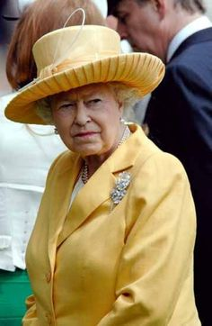 crownedlegend - Royal style:Shades of yellow I Am A Queen, Save The Queen, Queen Hat, Royal Queen, Isabel Ii, Her Majesty The Queen, Elisabeth, Diana, Prince Philip