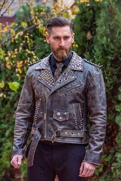 Geaca de piele barbati Skull King - SPREZZA by Dragos Sandulache Bespoke, Leather Jacket, Denim, Interior, Fashion, Dyes, Taylormade, Studded Leather Jacket, Moda