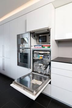 Kitchen Ideas, Design, Design and Pictures homify High-rise dishwasher: modern kitchen by Klocke Möbelwerkstätte GmbH The decoration of the house is actually an exhibit s.