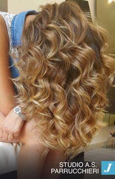 I capelli sono una parte importante di te, non trascurarli, per loro scegli le mani esperte dei professionisti Joelle!! #degrade #degradejoelle #ootd #madeinitaly #musthave #naturalshades #hairdo #hairstyle #hairstyilist #hairfashion #fashion #glamour #grosseto #igersgrosseto