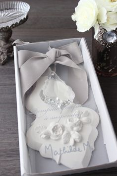 Clay Projects, Clay Crafts, Projects To Try, Wedding Dress With Feathers, 3d Craft, Ideas Creativas, Air Dry Clay, Decorative Items, Diys