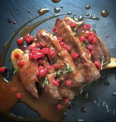 Petto d'anatra con lingonberry, mirtilli rossi svedesi #bjork #swedishbrasserie #bjorkaosta