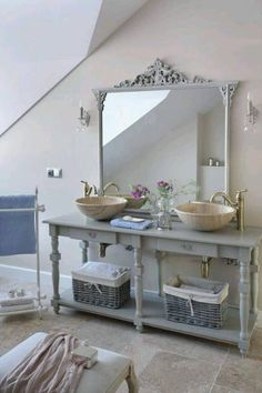 Gustavian bathroom