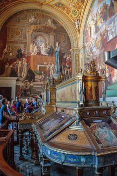Museo Vaticano. Roma Italia.                                                                                                                                                     Más
