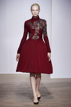 aphrodite (made with dentelles sophie hallette) yiqing yin fall/winter 2013-2014