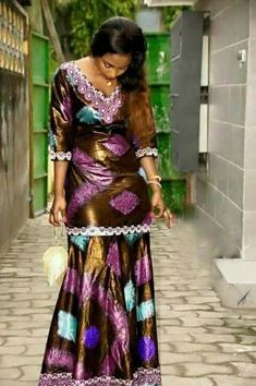 Robe African Bridesmaid Dresses, African Wear Dresses, Latest African Fashion Dresses, African Men Fashion, Africa Fashion, African Attire, Ankara Skirt And Blouse, Ao Dai, Fashion Outfits