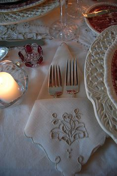 elegant napkin folding instructions