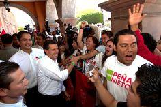 12/Abril/2012 Día 14 - El candidato presidencial del Compromiso por México visitó Querétaro, donde asistió al foro El Futuro de la Industria Espacial en México y se comprometió a construir un centro de investigación y certificación de materiales para la industria aeronáutica.