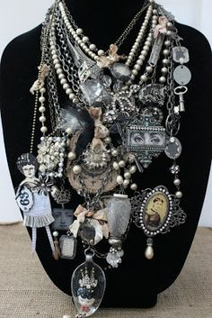 Artful Play: Selling Necklaces on Etsy! Jewelry Crafts, Jewelry Art, Beaded Jewelry, Vintage Jewelry, Jewelry Accessories, Jewelry Design, Chunky Jewelry, Jewelry Ideas, Diy Schmuck