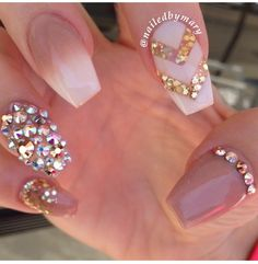nude & bling nails
