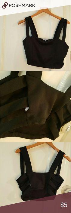 Charlotte Russe M crop top gently worn crop top with open side details Charlotte Russe Tops Crop Tops