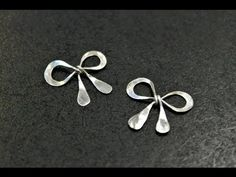 How to - make a silver wire wrapped sweet bow charm - {for Beginners} - YouTube