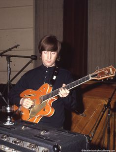 John Lennon's 'Paperback Writer' guitar to be auctioned