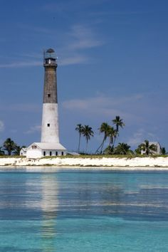 Dry Tortugas, una colección de siete islas situado setenta millas al oeste de Key West, Florida,