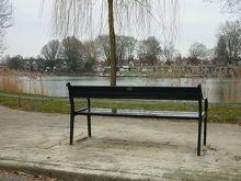 Parkbank Adonis bij de Tuindorpvijver, Gemeente Hengelo