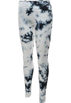 Perfect for the gym or track, these @nikewomen Legend 2.0 Marble tight training pants add major pizzazz to your workout. #GiftOfSport
