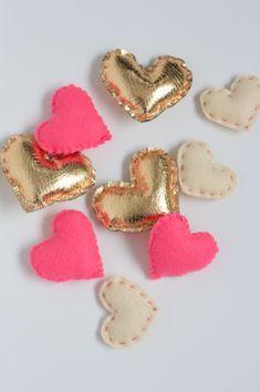 Heart of gold #DIY hearts - so cute! Via The Alison Show.