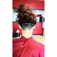 Obsessed with my new #undercut shaved hair design for women !