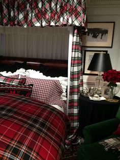 Ralph Lauren Interiors Ideas 5 32 Awesome Eclectic decor Ideas You Will Definitely Want To Try – Ralph Lauren Interiors Ideas 5 Source Tartan Decor, Tartan Plaid, Ralph Lauren, Home Bedroom, Bedroom Decor, Scottish Decor, Plaid Bedding, Plaid Bedroom, Christmas Bedroom