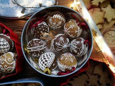 Christmas gingerbread baubles with royal icing Christmas Gingerbread, Royal Icing, Muffin, Pudding, Cooking, Breakfast, Recipes, Food, Russian Cuisine