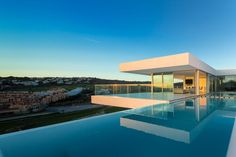 Villa Escarpa by mario martins atelier   Fernando Guerra [FG+SG]