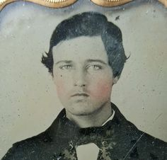 ANTIQUE-VINTAGE-AMERICAN-YOUNG-GUY-MAN-PUBERTY-VICTORIAN-FASHION-AMBROTYPE-PHOTO
