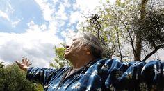 Casa Babayaga: un lugar-hogar autogestionado en Francia donde residen mujeres maduras que han decidido envejecer juntas y de una manera amable y gozosa.