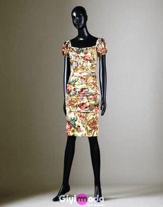 Dolce  2012 Dress    http://www.giyimvemoda.com/dolce-gabbana-elbise-modelleri-2012.html