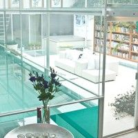 Paxton Locher// Contemporary house for sale in London