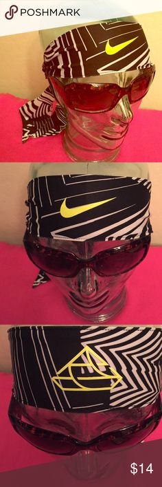 ONLY 1 LEFT! Nike Reversible Dri-Fit Head Tie 2.0 Authentic Nike Reversible Dri-Fit Head Tie 2.0. Unisex. Geometric Black & White. Has 2 separate Volt Logos. Volt is a Color Combo of Yellow & Green. Nike Swoosh is on one side. 88% Polyester/12% Spandex. Brand New in Original Packaging. Excellent Condition. No Trades. Only have 1 LEFT! Nike Accessories Hair Accessories