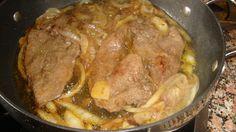 Iscas de Fígado Aceboladas - http://www.receitassimples.pt/iscas-de-figado-aceboladas/