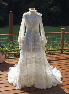 Vintage victorian style lace & ribbon white wedding dress
