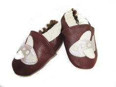I Fly Airplanes  Leather Baby Shoes in brown by BabyFeatherings #baby #leather #shoes #soft #soles #neutral #vacation #airplanes #vector #stylish #toddler #boy #cartooon #original #chic #trendy #comfortable #crib #sleeping #warm #protection #silver #fly away #brown #silver #white #shower #gift #cute #infant #illustration #Grandma #Grandpa #stays on #crawler #first walkers #non slip #easy on #0-6 month #6-12 month #12-18 month #18-24 month #elastic #first #slippers #suede #handmade #travel…