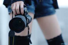 CAMERA GIRL:Nikon