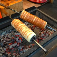 Kürtőskalács in the making in Eger, Hungary. So yummy! Hungarian Food, Hungarian Recipes, Chimney Cake, Orange Zest, Hungary, The Best, Canning, Hungarian Cuisine, Home Canning