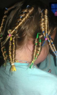 Making no heat curls with plastic straws, I know the picture may look trashy. But. It seriously works, Try it out girls! :)     ~ FashionBeauties