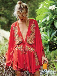 Vestido bordado                                                                                                                                                                                 Más
