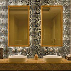 salle de bains en mosaique dorée #topping by #ezarri