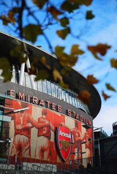 The Emirates, home of Arsenal FC Arsenal Fc Players, Arsenal Soccer, Arsenal Tattoo, Stadium Wallpaper, Arsenal Wallpapers, Oneplus Wallpapers, Iphone Wallpaper Tumblr Aesthetic, Best B, Football Stadiums